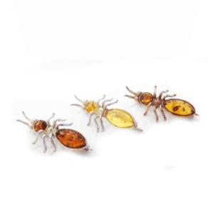 Брошь с янтарем в виде пчелки