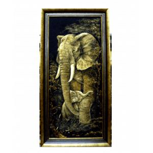 Картина из янтаря Слон со слоненком