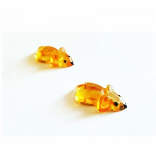 Кошельковая мышь из янтаря