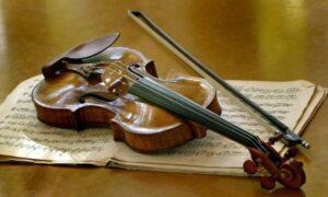 лак из янтаря для скрипок Страдивари