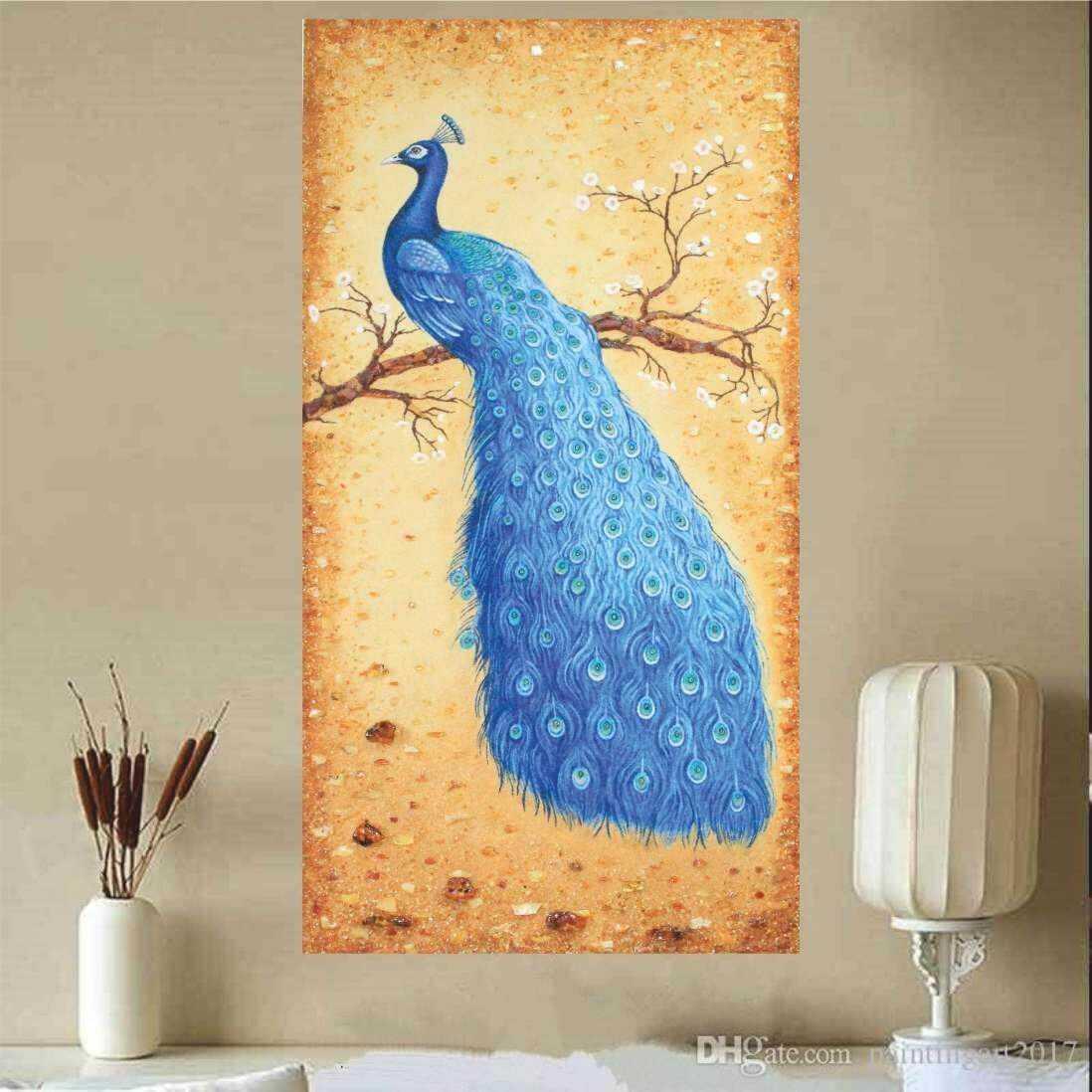Картина из янтаря павлин