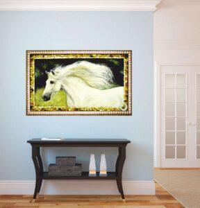 """""""лошадь белая"""" картина из янтаря в итерьере"""