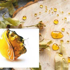 Браслет с натуральным янтарем зеленый с медом