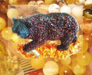Медведь из янтаря сувенир