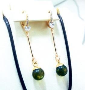 Серьги с зеленым янтарем