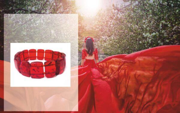 Браслет из красного янтаря