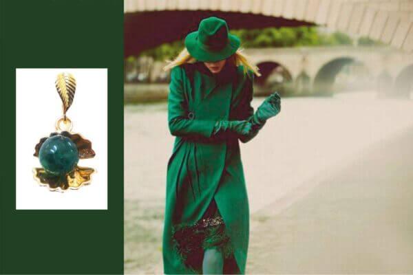 Кулон с зеленым янтарем