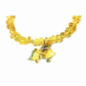 Браслет с золотой рыбкой из янтаря