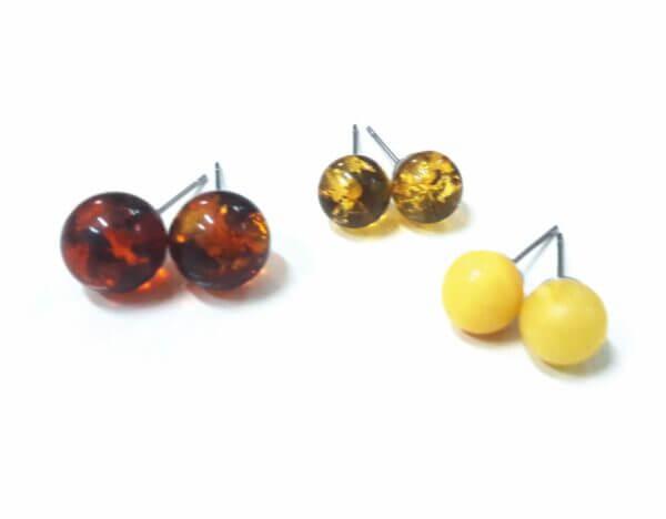 Купить Серьги пусеты медовые с янтарем - миленькие гвоздики