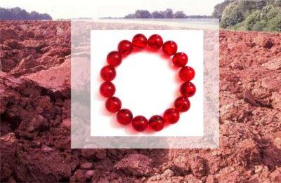 браслет из янтаря красный