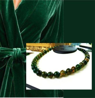 бусы из янтаря зеленые