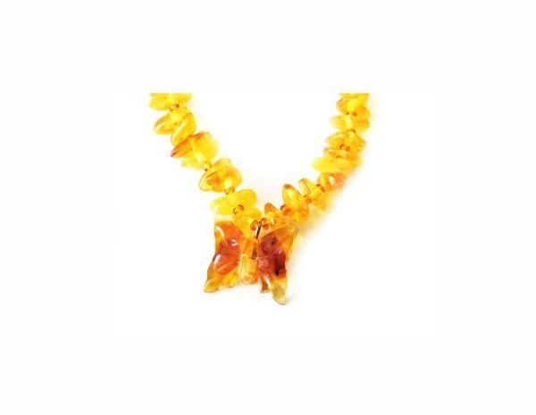 бусы из янтаря детские с бабочкой