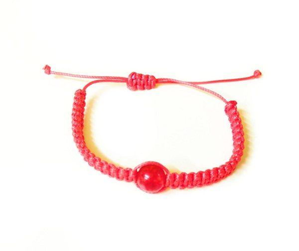 красная шамбала защитная с шаром из янтаря
