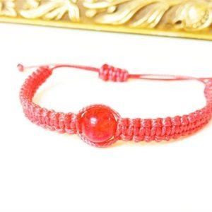 Красная защитная шамбала с шаром из янтаря